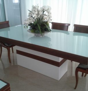 Mesa de Jantar Ferrara